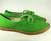 Vintage Kelly Green Espadrille Lace Up Flats with Rope Trim Size 6 1/2