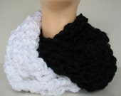 Yin Yang Contrast Cowl Crochet Pattern - one size fits most adults PDF 065