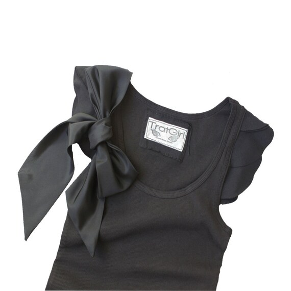 Black bow top/Women scallop sleeve/Removable bow