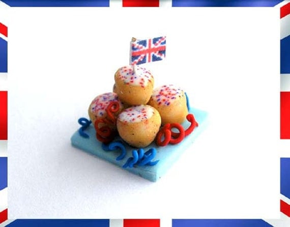 RESERVED for maggiore52 - Diamond Jubilee Cakes
