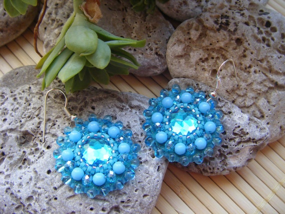 Round turquoise embroidered earrings