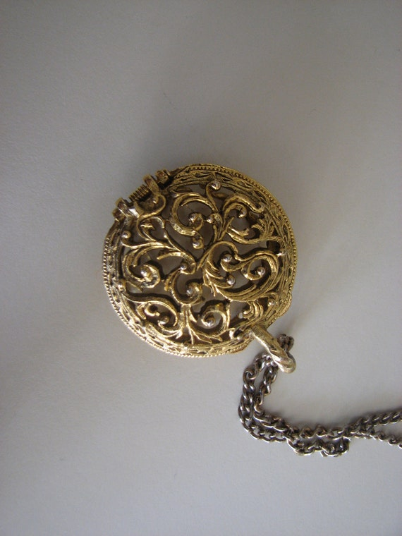 Hinged Perfume Holder Goldtone Filagree Long Chain Necklace