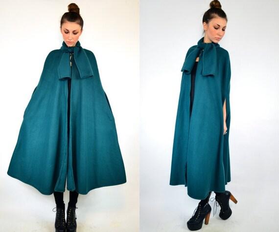 MADELINE green fleece CAPE with neck TIE, osfa