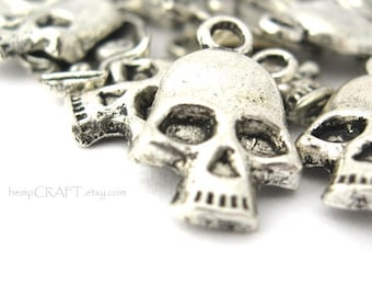 Skull Charms, Antiqued Silver Metal, 11x18mm - 10pc