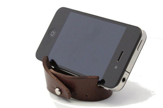 Smartphone Bracelet and Stand in Dark Brown Leather
