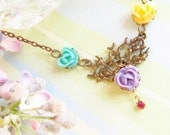 Cabbage Roses Necklace