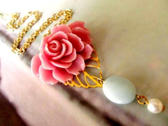 Romantic Resin Flower Necklace, Feminine pretty, Great Gift