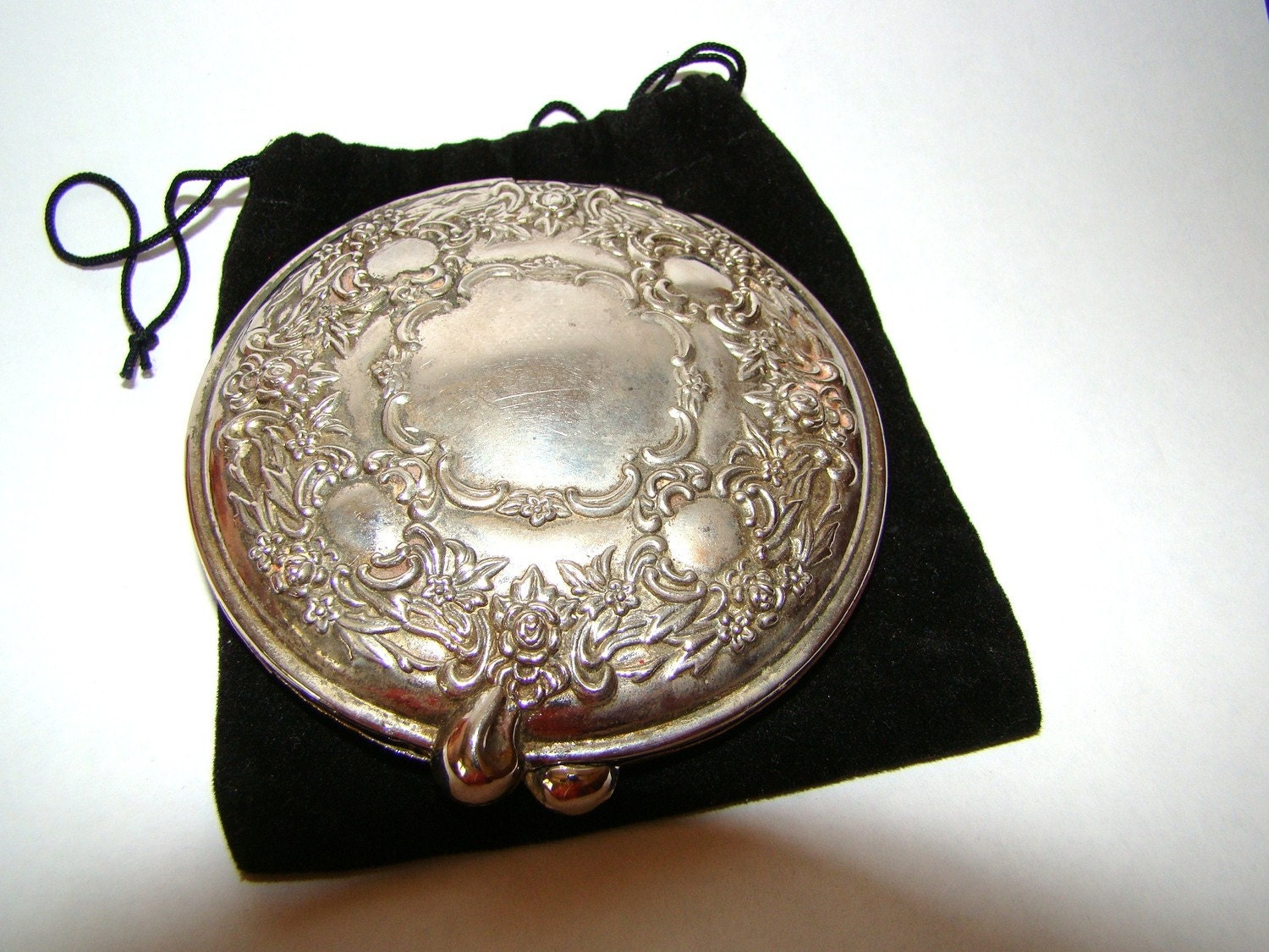 Vintage Antique Silver Plated Powder Mirror Compact With Black
