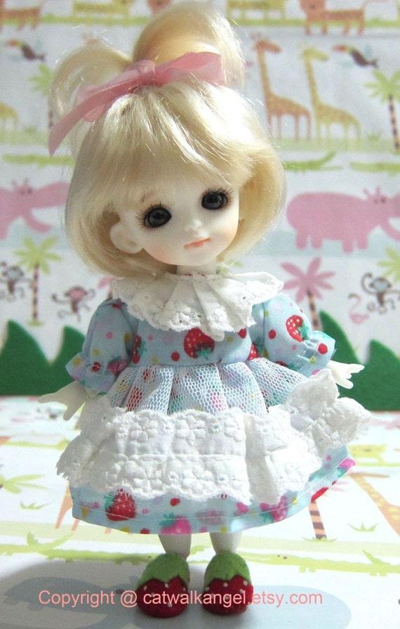 Lati / PUKIFEE dress --- Blue Strawberry dress for Lati Yellow doll / PUKIFEE