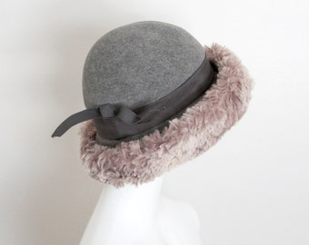 60s Vintage MR JOHN  Grey Wool Felt Hat with Faux Fur Trim