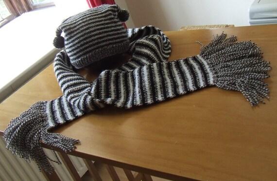 Gentleman's Monochrome Striped Fringe Scarf
