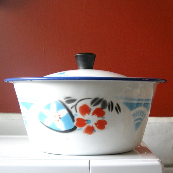 Vintage Enamel Rice Pot or Bowl with Lid