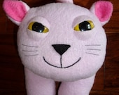 Stuffed animal kitty cat plush in pink fleece - Skanska