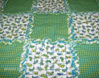 Crazy Caterpillars Rag Quilt