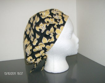 Black and Gold Fleur de Lis Bouffant Surgical Scrub Cap