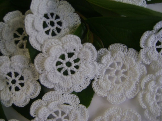 12 flowers new hand crochet  from cotton  white  two layers-dimentional (E85)