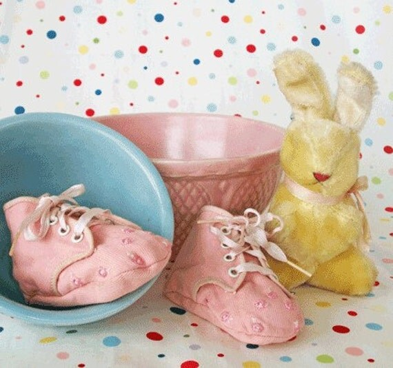 VIntage Pink Corduroy Baby Shoes - TREASURY ITEM