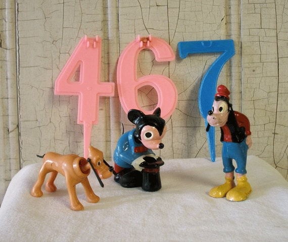 etsy disney wedding cake toppers disney character nodder cake toppers by marx by kitschyvintage 14045