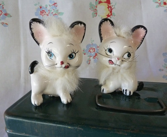 Pair of Mid Century Furry Cat Salt and Pepper Shakers  - 1950s - TREASURY ITEM