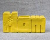 Retro Yellow Mom Decorative Vase - Mother's Day