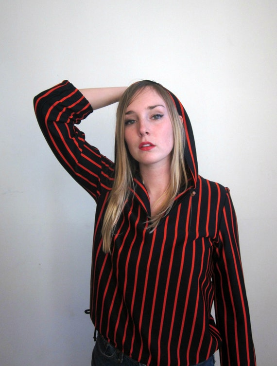 60's surfs up Beach House California striped red and black hooded pull over womens summer spring