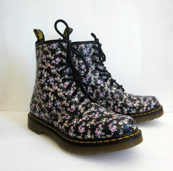 SALE vintage 90's floral doc martens the original dr. martens air wair ...
