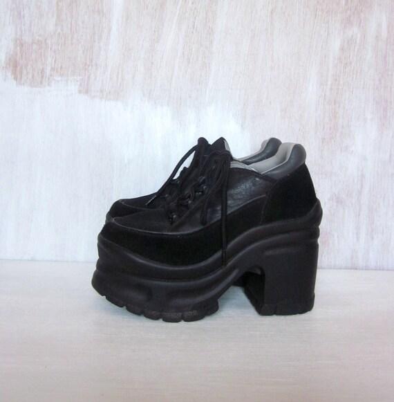vintage 90's SOUL TRAIN platform goth sneakers flatforms disco women's 6 1/2