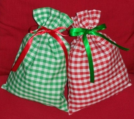 Christmas Red and Green Gingham Set of 2 Small Gift Bags - Holiday, Party Favor Bags, Simple, Country, White, Treat Bags