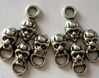 15Pcs Alloy Metal Four Skull Heads Pendant Connectors Link Beads Finding--15Pieces--20mm x 17mm  ja184