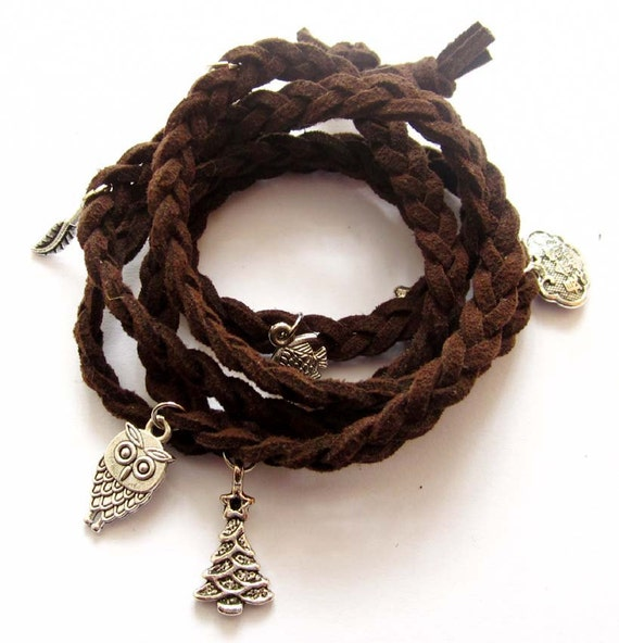 Hand Knited Vintage Style Disney Bracelet With Pendant  T2579