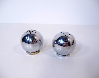 Mid Century Salt and Pepper Shakers