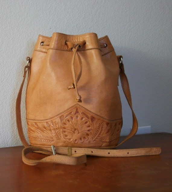 Awesome Vintage Leather Bucket Style Purse