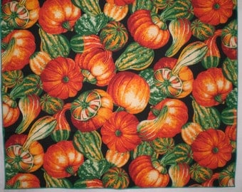 "Autumn Gourds and Pumpkins Set of 6 20-Inch Cloth Napkins and 8"" X 42"" Unlined Runner"