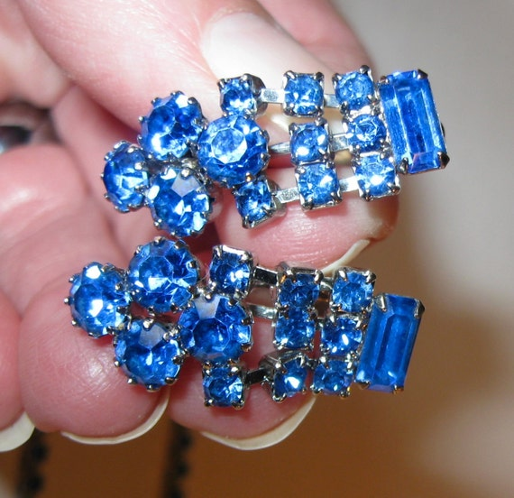 Be Brilliant.... Vintage Bright Blue Rhinestone Necklace and Earrings