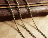 500cm(5 meters, 5.46 Yards)QualityAntiqued Bronze 2.4mm Ball chain (most commonly used size) and 15pcs FREE Matching Crimps G03391