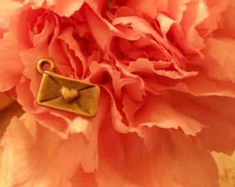 20 pcs of Antique Bronze Love Letter Envelope Charm Pendants Drops D02-Rd