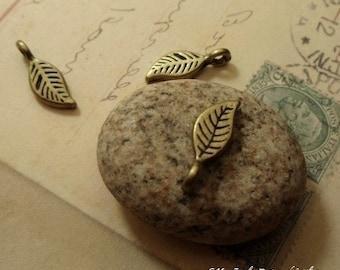 20 pcs Antique Bronze cute Leaf Charm Pendant Bead B18-Rd
