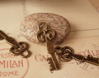 Drawer Key Antique Bronze - 10 pcs - Charms Pendants Drops A04-Rd