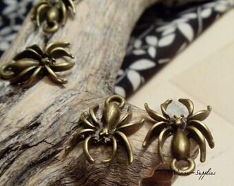 SALE -12pcs of Antique Bronze Creepy Halloween  Scary Taranchula  Wolf Spider  Charms Pendants Drops  HK9046-A40