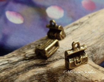 Treasure Chest - Antique Bronze 3D Charms- 10pcs - Case Box Adventure Travel Theme Connectors Pendants Drops Rd-A03