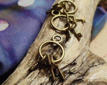 8pc of Antique Bronze Mr Rabbit's Three Cute Keys Charm Pendant Drop A13-Rd