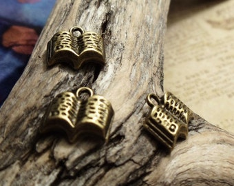6pcs of Antique Bronze Tiny Opened Bible/Book/Magic Tome/Fairy Tale/ Charms Pendants Drops Sdm S46