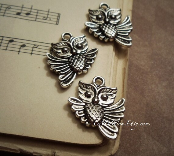 6pcs of Antiqued Silver Cute Double-sided Beauty Owl Charms Pendants Drops E26-Sdm