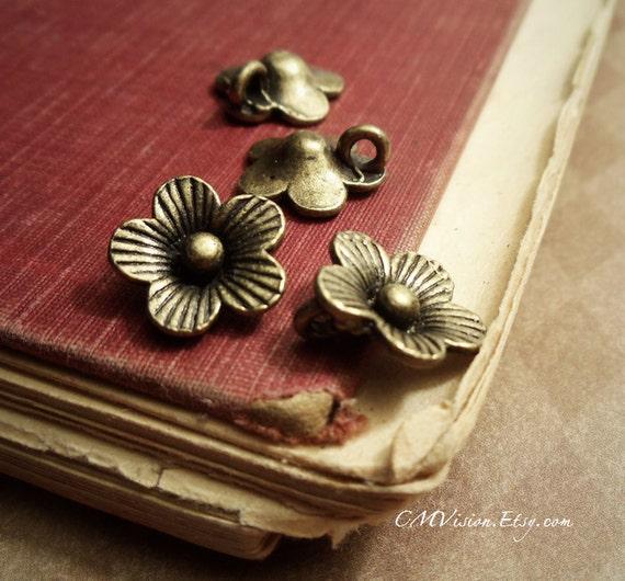 10pcs of  Antiqued Bronze 14mm Super Lovely Cherry Blossom Flower Charms Pendants Extender Drops E23-Rd