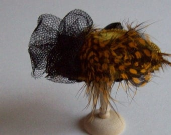 Handmade 1/12 dollshouse miniature mustard feather hat