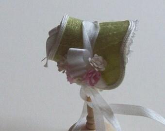 Handmade 1/12 miniature dollshouse narrow green bonnet