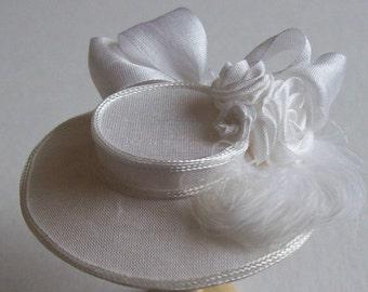 Handmade 1/12 scale dollshouse beautiful miniature white silk hat