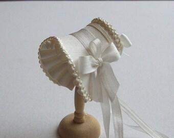 Beautiful handmade /12 dollshouse ivory shaped bonnet