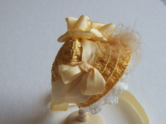 Lovely 1/12 dollshouse handmade  straw narrow bonnet