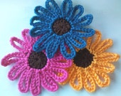 3 Handmade 3 inch Crochet Daisy Flower Appliques Sewing Bow